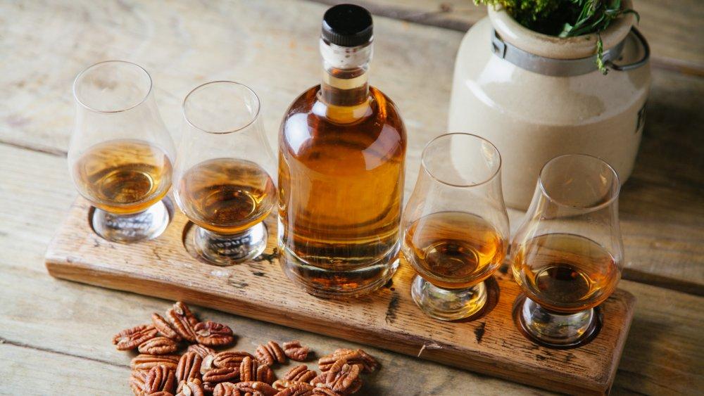 whiskey, whiskey flight