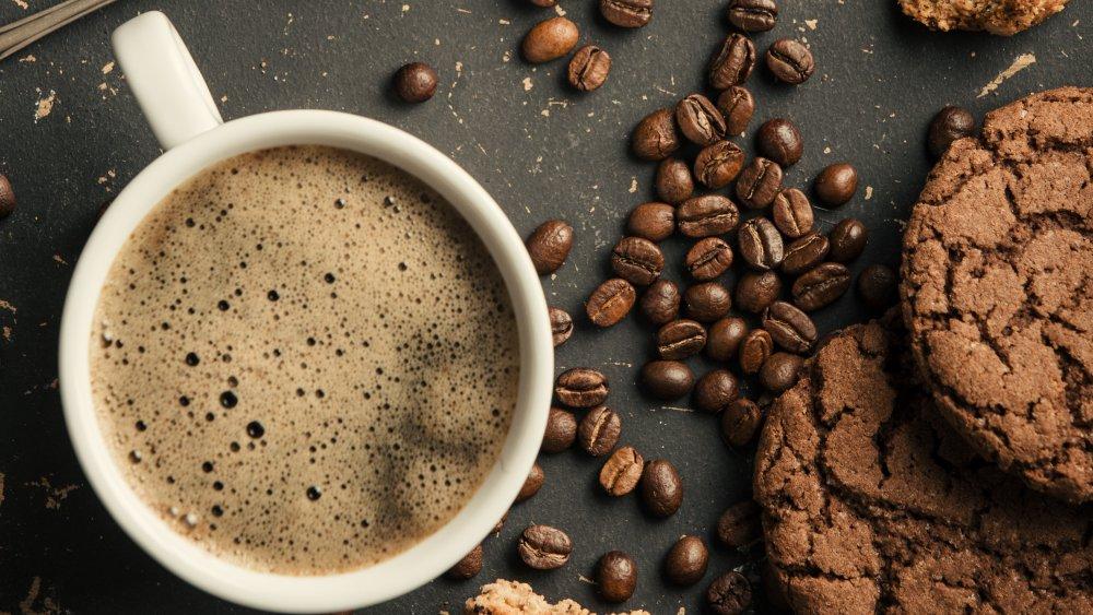 Coffee dark and cookies