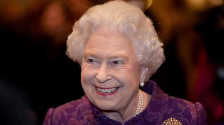 Hatless Queen Elizabeth II