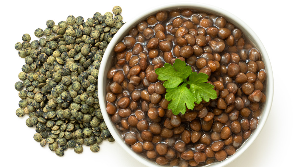 cooked and raw lentils