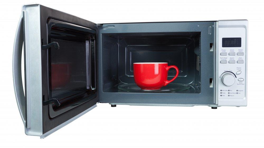Teacup in microwave