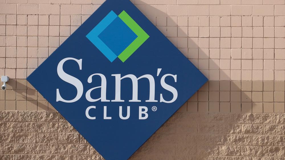 A Sam's Club sign