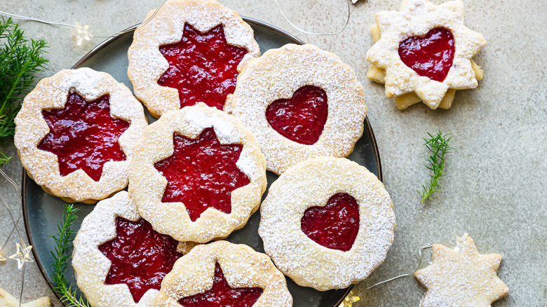 A plate of Austrian cookies with jam