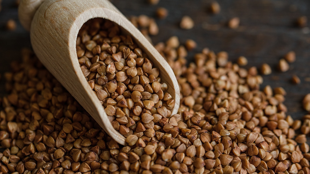 scoop and buckwheat