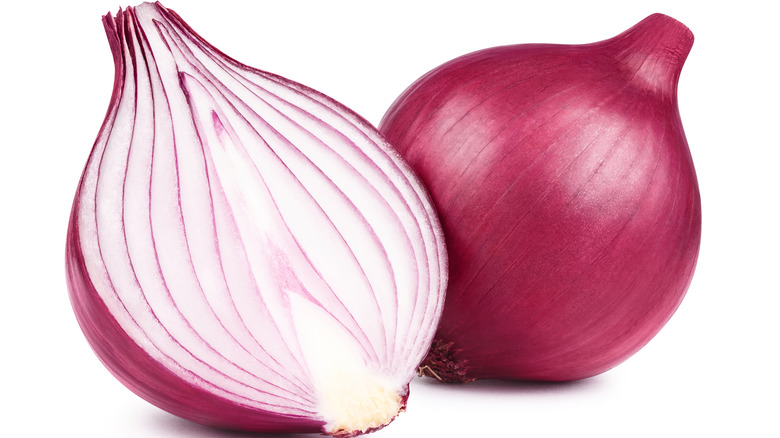 Red onions whole and sliced in half