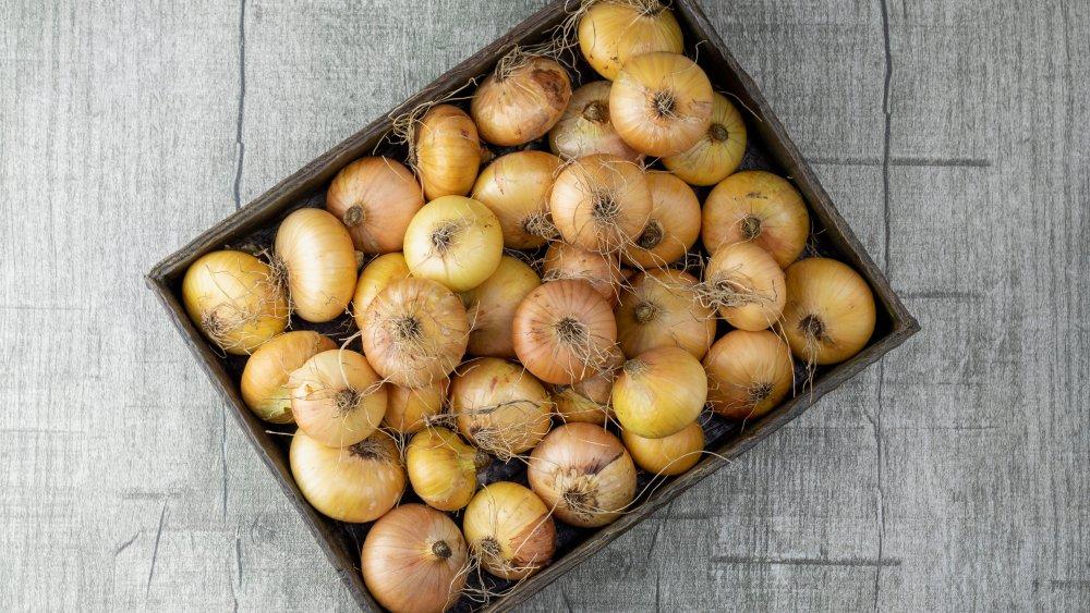 Box of onions